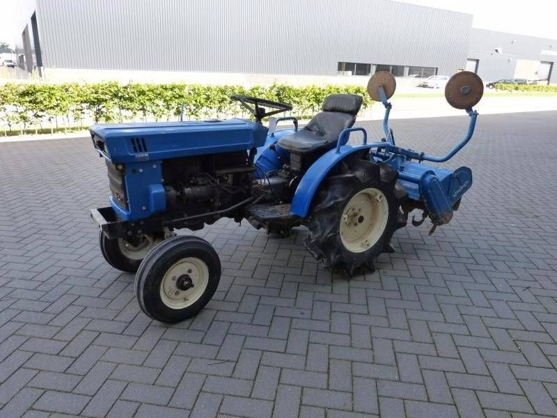 iseki tx 1300 traktor gebrauchte traktoren und. Black Bedroom Furniture Sets. Home Design Ideas
